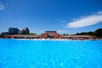 Hipsters get new pool, Brownsville residents see their swimming hole shut down