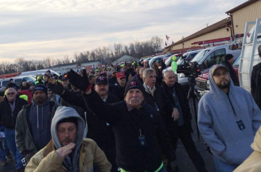 Union Plumbers Volunteer to Help Flint Residents With Water Crisis