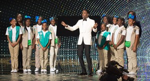 February 28, 2016 - Host Chris Rock and girl scouts at The 88th Oscars® at the Dolby® Theatre in Hollywood, CA on Sunday, February 28, 2016...88th Annual Academy Awards, Show, Los Angeles, America - 28 Feb 2016. (Credit Image: © Rex Shutterstock via ZUMA Press)