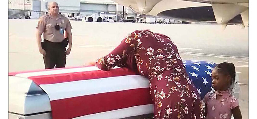 Trump tells pregnant Army widow husband  knew 'what he signed upfor'