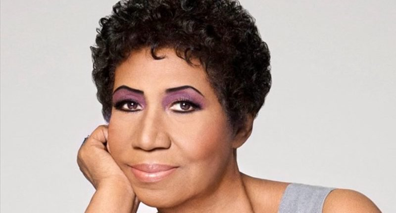 """Aretha Franklin, the """"Queen of Soul,"""" Passes at 76"""