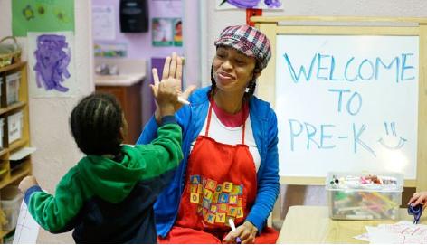 NYC Boosts Salaries for 1,500 Non-union Pre-K Teachers in Community-Run Programs