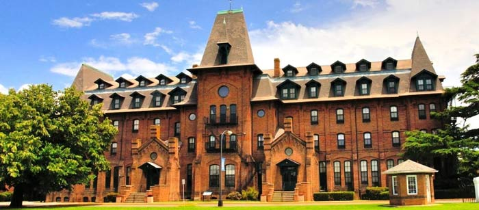 "HBCU Hampton University is a ""Vaccinated Island in a Sea of COVID"""